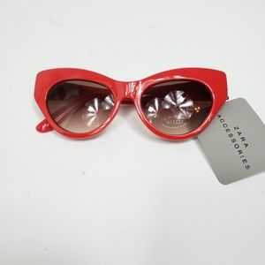 NEW Zara Red Cat Eye Sunglasses with Case